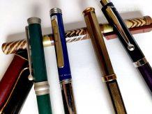 7 stylos plumes dont 1 très beau et 1 Pierre Balmain