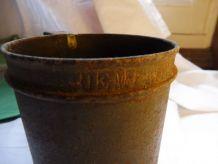 Demi litre ancien métal/pot à grains