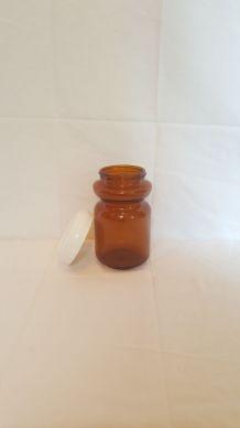 Pot à épices en verre ambré