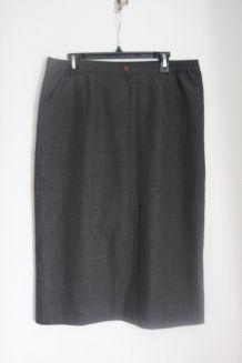 Jupe droite coloris gris marque Votre Mode Taille 48