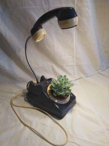 Lampe telephone et cache-pot/detournement d'objet/recyclage