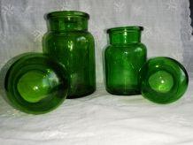 Paire de bocaux, bouteilles verts