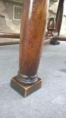 Table en noyer renaissance XVII ou XVIII eme