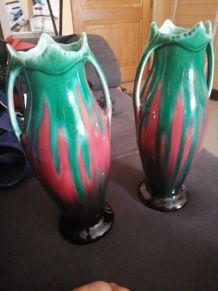 Une paire de vase Vintage rouge et vert
