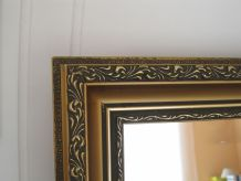 Miroir ancien avec cadre doré