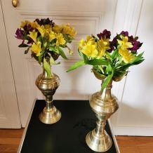 Paire de grand vases amphore en laiton massif