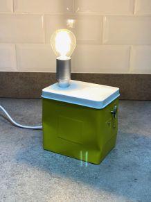 Lampe boîte à musique