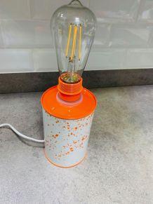 Lampe bidon à effet tacheté