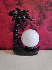 lampe palmier en céramique noire et globe opaline blanc