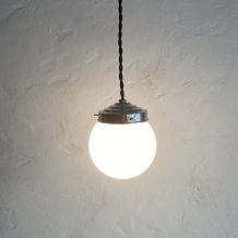 LOT 2 PETITES LAMPES SUSPENSIONS EN OPALINE