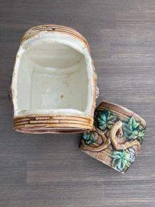 Tonneau en céramique vernissée