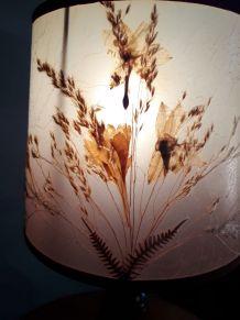 lampe pied bois massif  et abat jour fleurs et gramine sauva