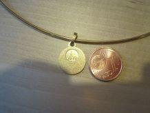 ensemble bijoux pendentif tour de cou Collier Lourdes