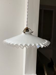 Suspension en opaline blanche