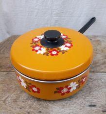 Jolie casserole sauteuse émaillée - Années 70/80