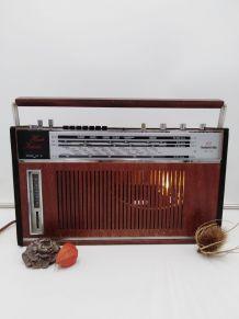 Lampe radio/lampe industrielle /detournement d'objet