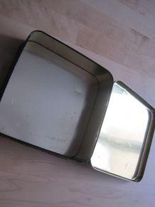 petite boite de rangement en tôle décor style ancien vintage