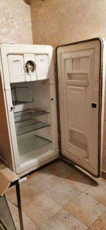 Réfrigérateur Pictet année 1950 sans moteur