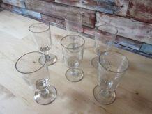6 Petits verres a anciens soufflées a vin blanc ou porto