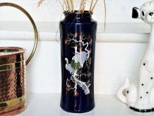 Vase céramique japonais bleu cobalt.