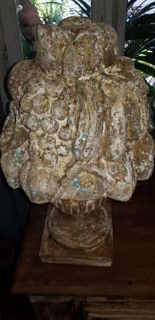 Paire de pots fleuris en pierre, belle patine