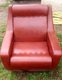Paire de fauteuils vintage en skai