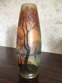 Vase émaillé paysage signé Jem, Ecole Legras