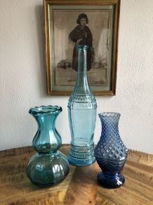 Trilogie de verrerie bleu vintage.