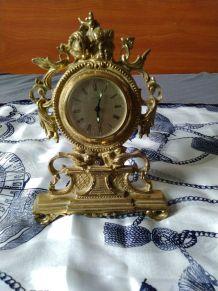 Ancienne horloge en bronze