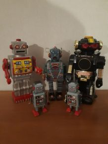 lot de 5 robots en metal et plastique vintage 1960 a 70 en e