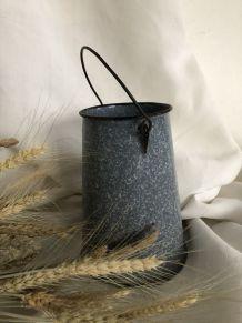 Pot à lait émaillé, décoration de cuisine