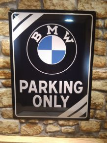 PLAQUE DECO BMW EN RELIEF