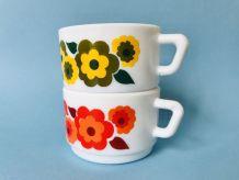 2 Tasses à expresso ARCOPAL LOTUS  à motif floral