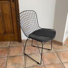 Paire de chaises Harry BERTOIA noires. Réédition. 70's.