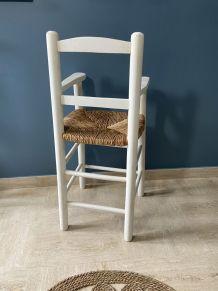 Fauteuil / Chaise haute pour enfant paillée en bois vintage