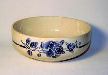 Saladier St Amand. Décor rose bleue. Vintage.