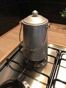 Pot à lait en aluminium