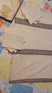 Linge de table 1 nappe + 8 serviettes