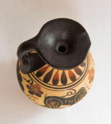 Joli vase de antique Corinthian.  Copie, époque 550 av JC.