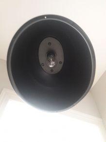 Plafonnier unique cree suivant lampadaire de rue annee 50-60