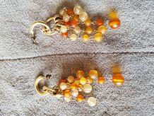 Boucles d'oreilles pendant petites perles oranges