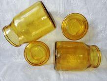 Paire de bocaux jaunes vintages