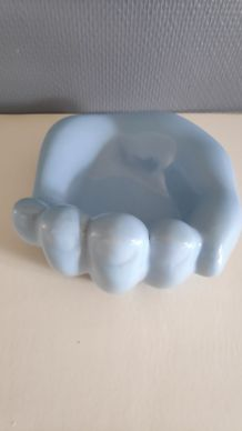 vide-poche main en céramique bleue clair