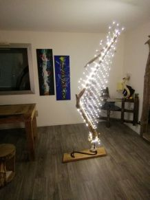 "Grand lampadaire en bois flotté ""harpe lumineuse"""