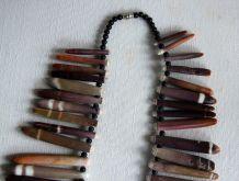 Très beau collier vintage épines d'oursin. Artisanat.