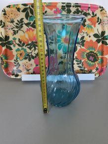 Vase bleu annee 70