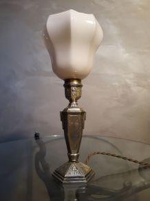 petite lampe de chevet art deco   en regule patiné or avec s