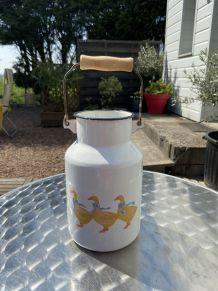 Pot à lait ancien émaillé sans couvercle