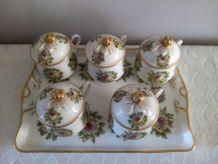5 Pots à crème et le plateau Porcelaine