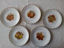 5 assiettes à dessert Porcelaine V.P